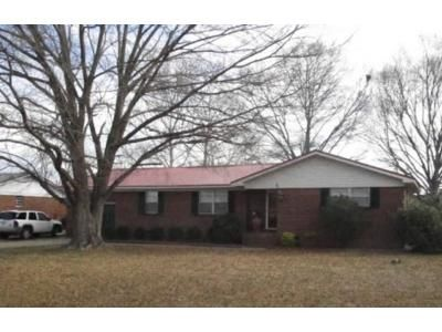 3 Bed 3 Bath Foreclosure Property in Attalla, AL 35954 - Case Ave SE