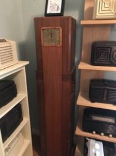 Huge Antique Radio & Electronic Collection, Sci-Fi & Collectibles!!