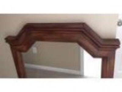 Large mirror - perfect to go over a dresser (Southaven MS)