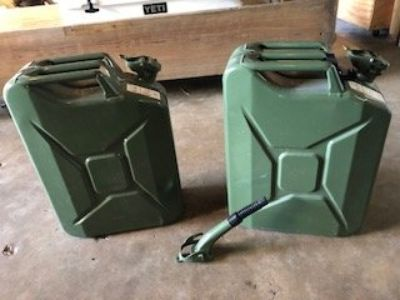 Metal Gas Cans/Jerry Cans