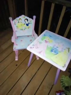 Princess table and chair with end table