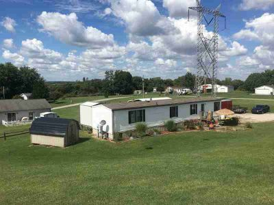 991 S 380 W Princeton, Very well maintained mobile home with