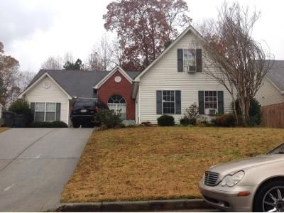 3 Bed 2 Bath Preforeclosure Property in Lawrenceville, GA 30044 - Shadetree Ln