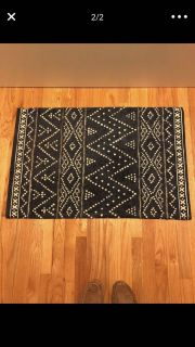Area rug 24x36 in