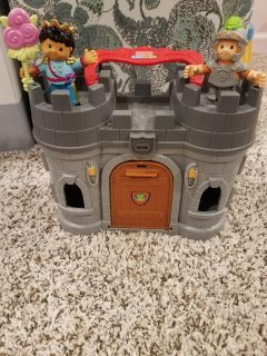 Little People knights and take along castle