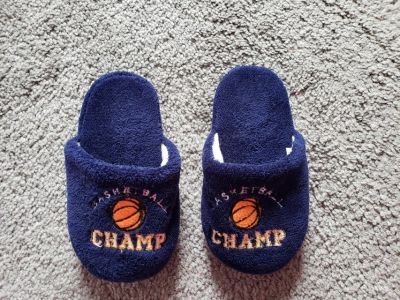 Boys Slippers Basketball Champ 12 - 13