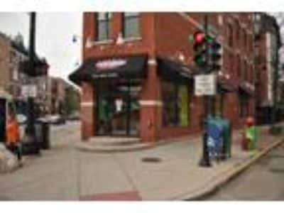Lincoln Park - Retail/Restaurant Space on High Traffic Corner