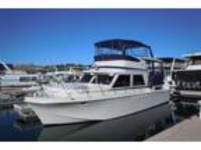 1982 Uniflite Yacht Fisherman