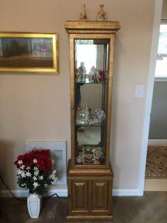 Furniture sale - Small antique lighted curio cabinet