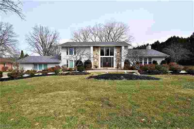 2763 Kersdale Rd Pepper Pike Four BR, Fabulous opportunity to