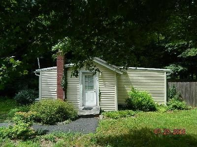 1 Bed 1 Bath Foreclosure Property in Holbrook, MA 02343 - S Shore Rd
