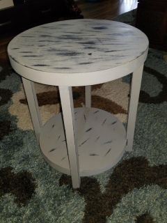 """Round Table (22""""). Would Make an Easy Project!"""