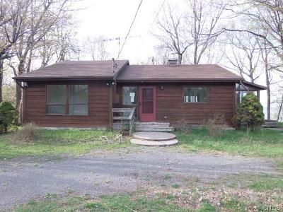 3 Bed 2 Bath Foreclosure Property in Henderson Harbor, NY 13651 - Paradise Park Ext