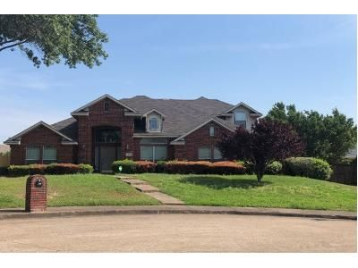 4 Bed 2.5 Bath Preforeclosure Property in Desoto, TX 75115 - Hideaway Pl