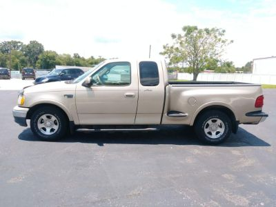 1999 Ford F-150 Lariat (Gold)