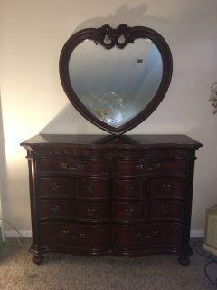 Disney Princess Dresser & Heart Mirror