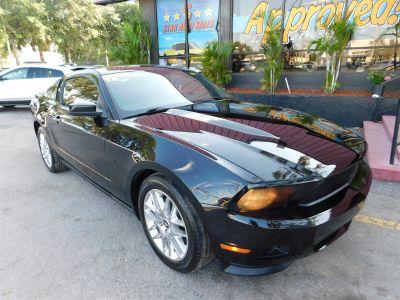 2012 Ford Mustang V6 (Black)