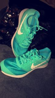 Girls Nike shoes never worn