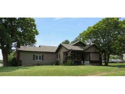 2 Bed 1 Bath Foreclosure Property in Elk City, OK 73644 - W 6th St