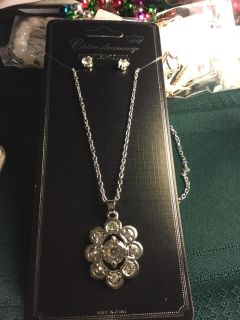Cubic zirconia necklace and earrings.new-2