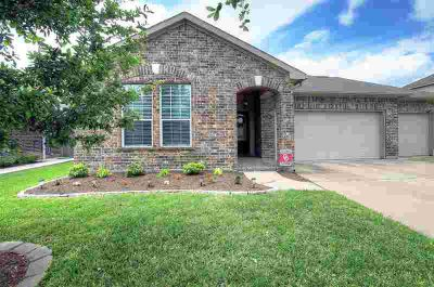 104 Avery Springs Lane Dickinson Three BR, This is your home if