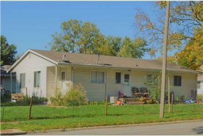 103 14th St - 2bd/1ba Duplex Available August 1