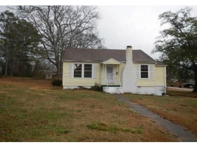 3 Bed 2 Bath Foreclosure Property in Valley, AL 36854 - 24th Ave
