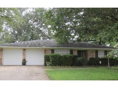 3 Bed 2 Bath Foreclosure Property in Shreveport, LA 71105 - University Dr