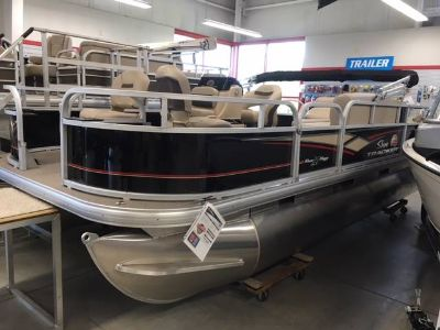 2019 Sun Tracker Bass Buggy 18 DLX Pontoons Boats Appleton, WI