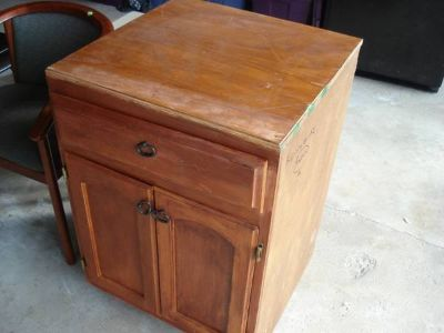 floor cabinet with drawer and under cabinet storage