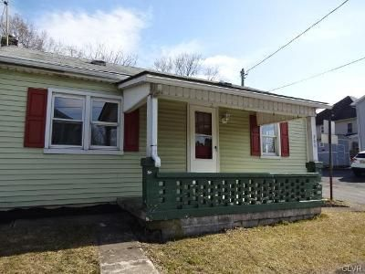 2 Bed 1 Bath Foreclosure Property in Phillipsburg, NJ 08865 - Maple Ave
