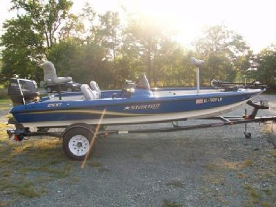 Stratos Fishing /Bass Boat 176 XT ** Like New**