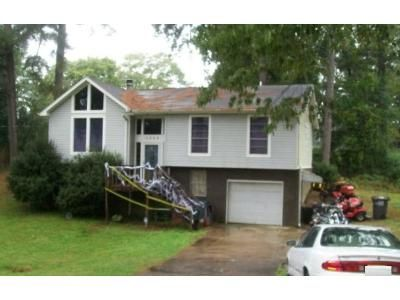 3 Bed 2 Bath Foreclosure Property in Gardendale, AL 35071 - Lakeview Ave