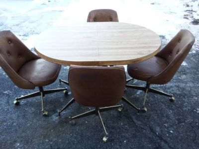 RETRO OVAL DINING TABLE & 4 CHAIRS