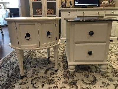 End tables / Accent tables
