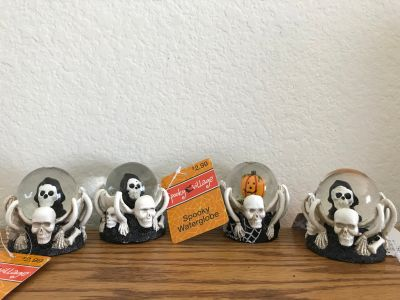 spooky waterglobes(new)