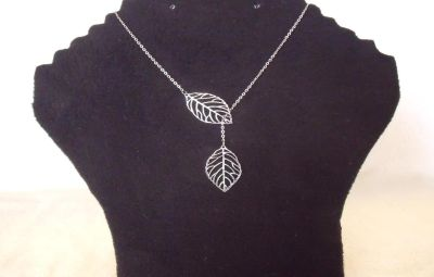 Lovely Silver plated Twin Leaf Adjstable necklace