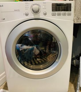LG - Washing Machine & Dryer (Like new)