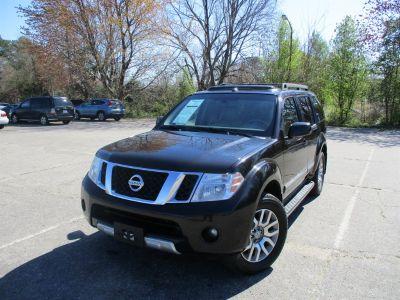 2011 Nissan Pathfinder S (Black)