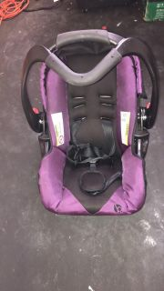 FREE Baby Trend car seat and base
