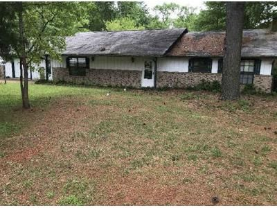 3 Bed 2 Bath Foreclosure Property in Palestine, TX 75801 - Acr 3732