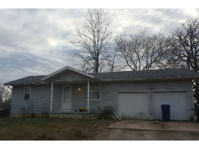 2 Bed 1 Bath Foreclosure Property in Lebanon, MO 65536 - Highway 64