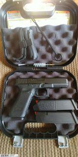For Sale: Gen5 Glock 17 w/ nightsites