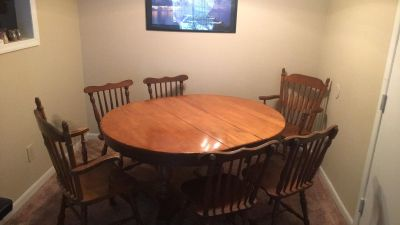 Set of table, 6 chairs, and one removable table leaf