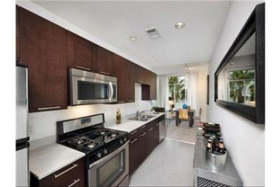 1 bedroom Apartment - Just steps away from upscale shopping and award-winning restaurants. Parking