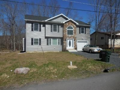 4 Bed 2 Bath Foreclosure Property in Tobyhanna, PA 18466 - Marvin Gdns