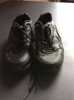 Black Champion Tennis Shoes in Size 6