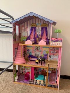 Barbie-sized doll house
