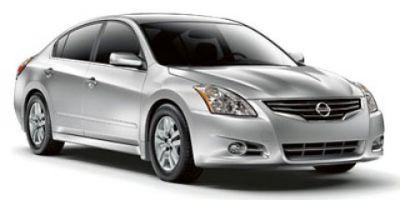 2010 Nissan Altima 3.5 SR (Winter Frost Pearl)
