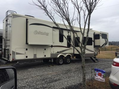 2019 42' Columbus 389RL by Palomino (5th wheel)